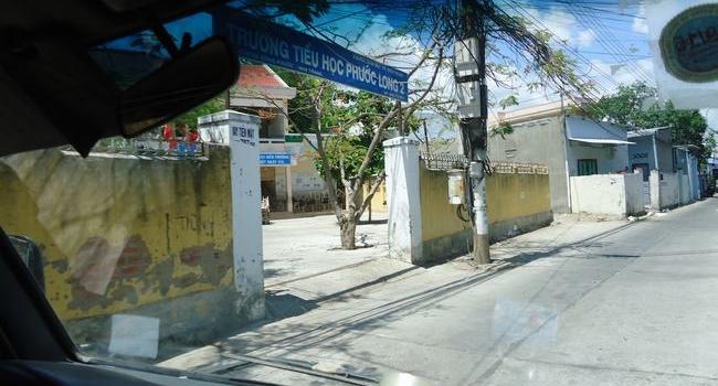 Chuyển bàn ghế cho trường tiểu học Phước Long Nha Trang